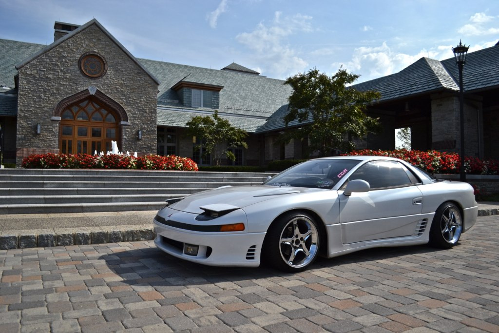 Mike's 1992 Mitsubishi 3000GT | StanceCoalition